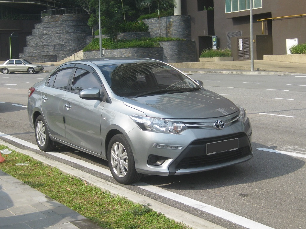 pprice guide for 2016 toyota camry sedan 2000 cc
